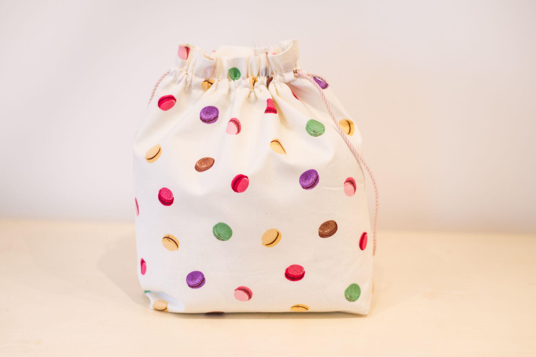 Macaroon lingerie bag